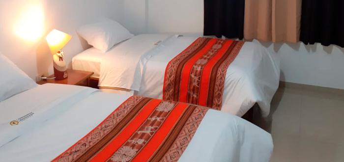 Matrimonial con cama adicional